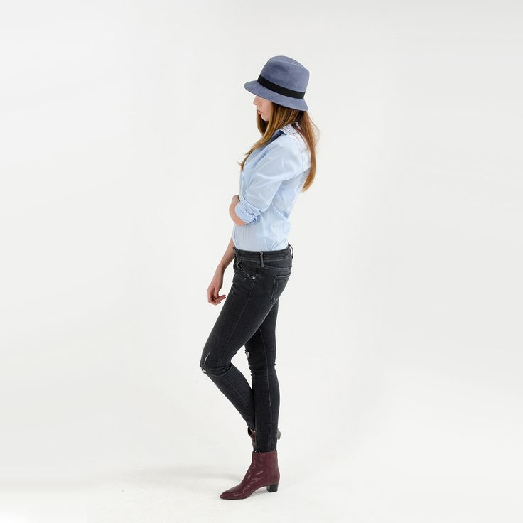 Look with grey fedora hat