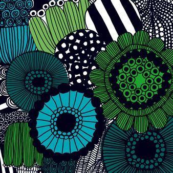 Siirtolapuutarha er et vakkert stoff med mønster i svart og fargede blomster designet av Maija Louekari. Fins i varianter med forskjellige farger og matchende porselen.