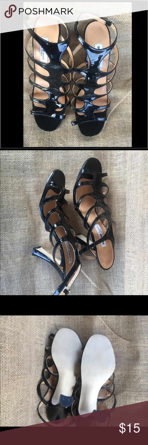 NEW Sacha London Blk Patent Lthr Strappy Sandal💐 🌻Blk Patent Lthr💐New never worn🌸No box 📦🌹size 10🌺See pic - under strap the lining is peeling from sitting in closet. Sacha Shoes Sandals