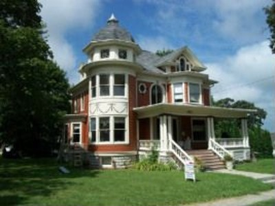Barber Shop Queen Anne : ... IL RESTORED GEORGE FRANKLIN BARBER QUEEN ANNE STYLE VICTORIAN, 4-6 BR