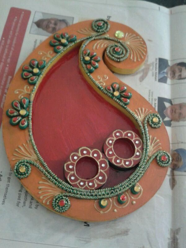1000 images about pooja thali di ya thali mahendi thali for Aarti thali decoration with clay