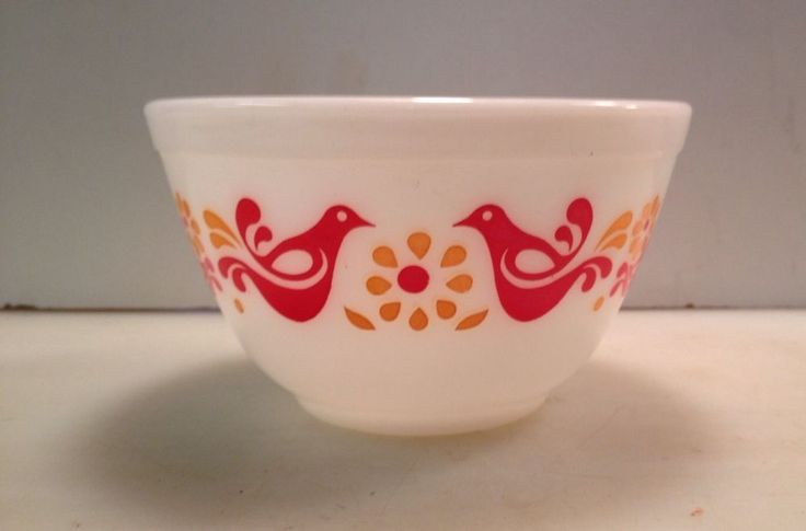 Pyrex Homestead 402 Mixing Bowl by ChicAndFabby on Etsy | Vintage ...