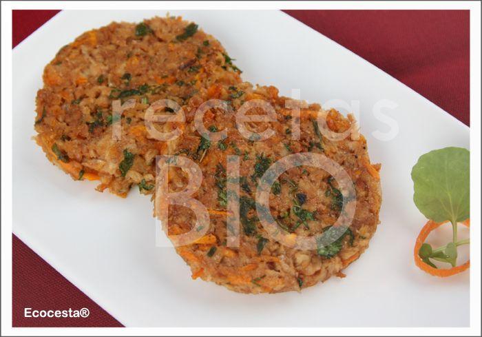 Hamburguesas vegetales con soja texturizada, cebolla y zanahoria