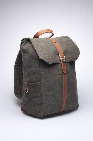 Tailored Chap - Griffin Walker Backpack.. The feel of Leather is so prominent in this new backpack of mine..hehehe !