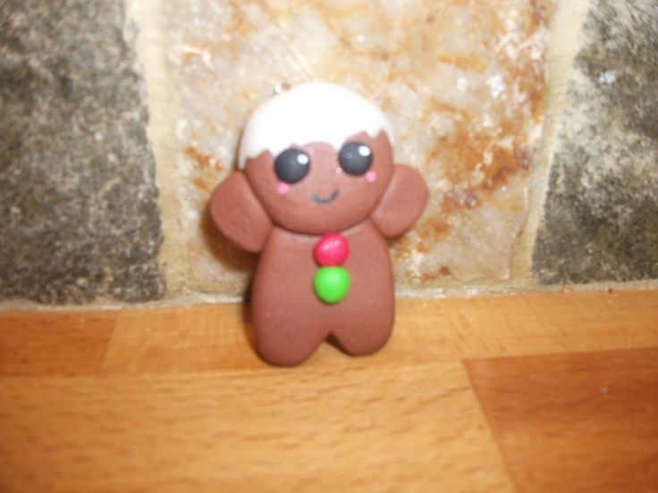 Ginger Bread Man Decoration  •  Free tutorial with pictures on how to make a Christmas decoration in 8 steps