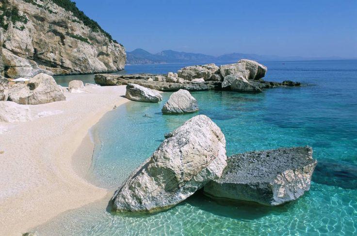 Der atemberaubende Felsstrand der Cala Mariolu