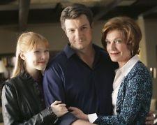 NATHAN FILLION, Molly Quinn & Susan Sullivan (Castle still)
