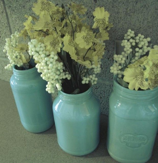 This site has many more ideas for Mason jars~ I love it!!!!