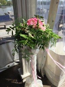 Ballonpilaar met bloemstuk
