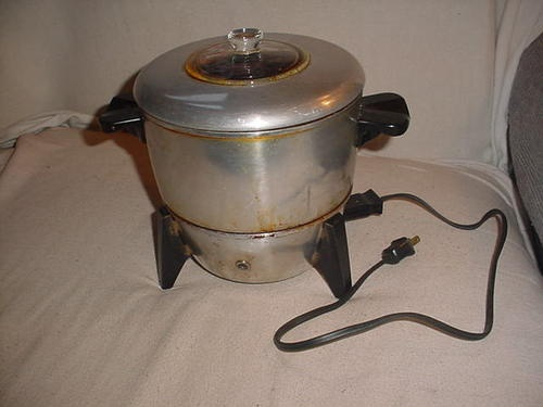 Vintage Electric Popcorn Popper 106