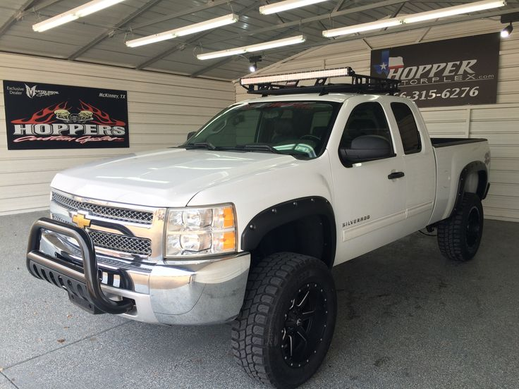 Custom 2012 Chevy Silverado With 7 Lift 35 Quot M T Tires