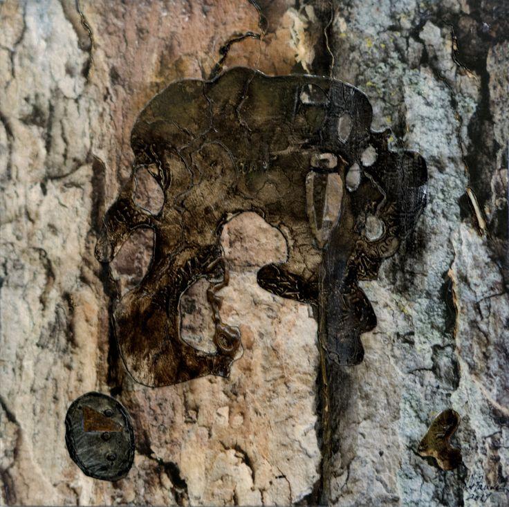Lacération silencieuse 2. Techniques mixtes.  Composition numérique, rouille, colle chaude et collagraphie transférés sur bois. Format 12 X 12.