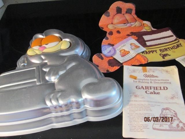 Vtg 1981 Wilton Garfield Cake Pan #2105-2447 with Instructions Insert Face Plate