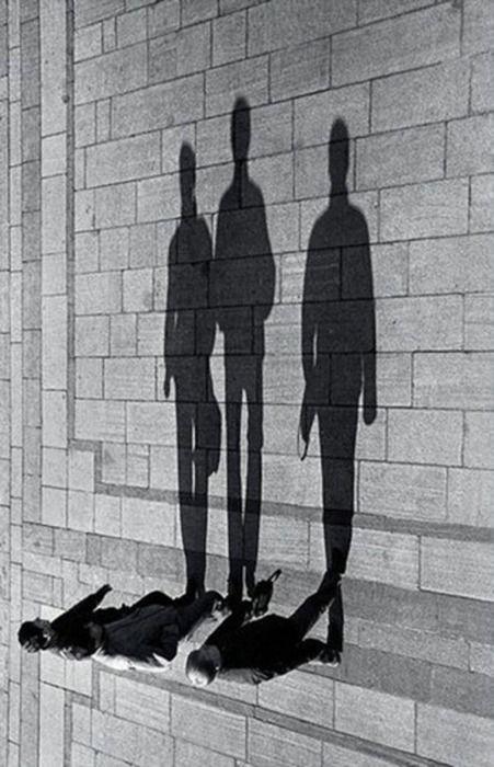 silhouettesPhotos, Point Of View, Inspiration, Shadows Photography, Art, Black White, Perspective, Dark Shadows, Cameras Tricks