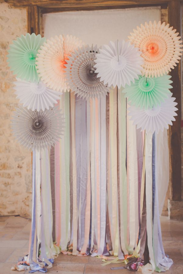 I love this background if we can make it for the baby shower in mint green, tangerine orange & blue