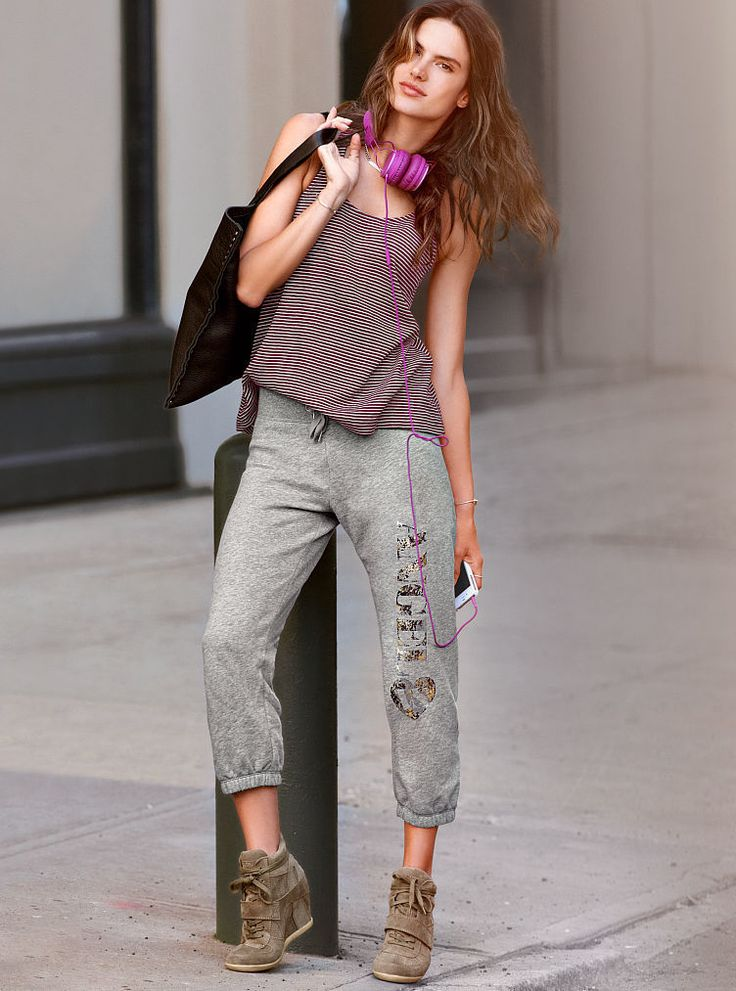 Victoria's Secret - Fleece Crop Pant - Supermodel Essentials. | #Sleep, #Lounge