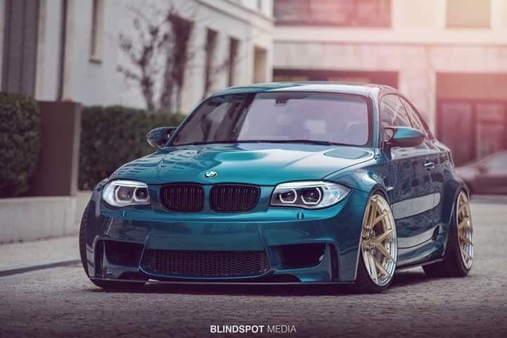 BMW E82 1M teal