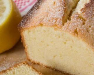 Cake au citron light ; http://www.fourchette-et-bikini.fr/recettes/recettes-minceur/cake-au-citron-light.html