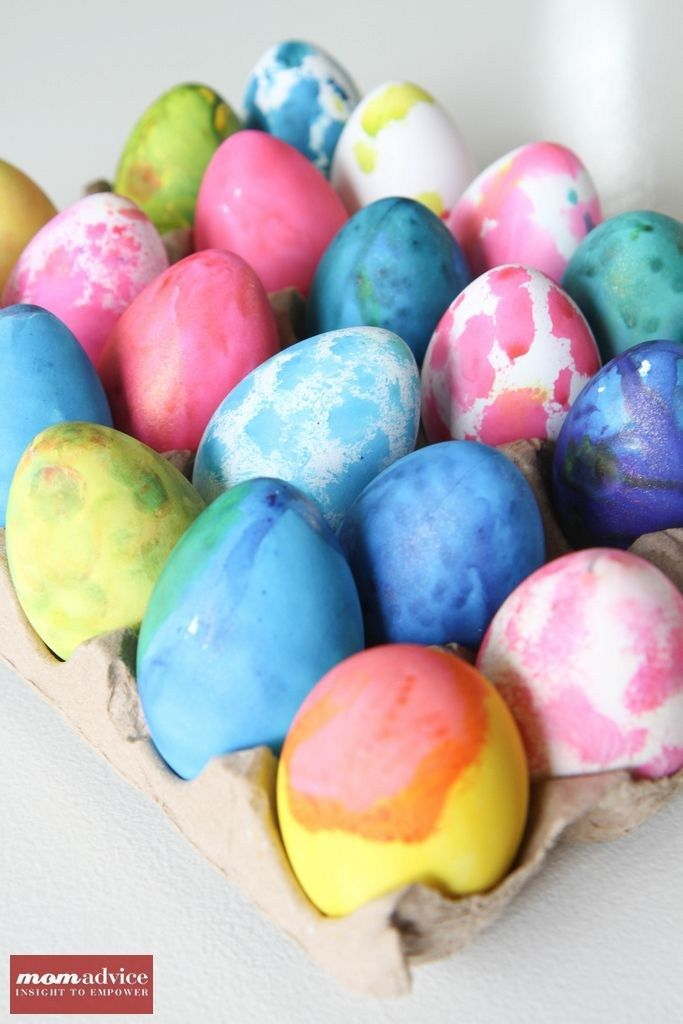 How to Dye Plastic EggsDyes Plastic, Diy Crafts, Easter Crafts, Easter Spr, Easter Fun, Diy East, Easter Eggs, Kids Crafts Projects, Spring East
