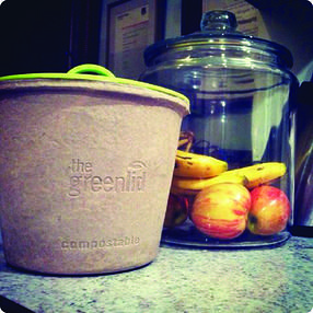The Greenlid! The First Fully Compostable Organic Waste Container The greenlid container and contents can be composted in home composts and municipal organic waste programs ​The greenlid contains Natural mineral additives prevent leakage The greenlid is supplied with compostable lid - for a no mess disposal Use with the greenlid's reusable plastic lid to prevent undesirable kitchen odours