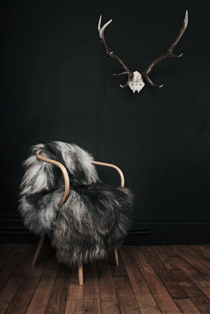 I love the dark bold colors in this decor. I love that it is bold yet earthy…
