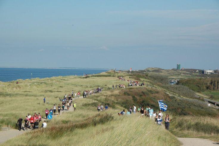 kustmarathon 2013 U loopt langs het schitterende kustgebied van Zeeland. Zeeland op foto