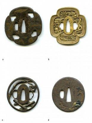 21 Tsuba Japan Ø 7,1 cm - 7,8 cm.   Provenienz: Carlo Monzino (1931-1996), Castagnola.  a. Mokko-gata, Tetsu, Inome-sukashi, Maru-mimi. Kozuka-ana, Nagako-hitsu-ana mit Tagane-Ato. Omote und Ura: florales Motiv mit Gefäss. Hira-zogan. Gemäss Sotheby's London (Juni 1996, Lot 4): Muromachi- bis Mitte Edo-Zeit (15. bis 18. Jh.). Provenienz: W. W. Winkworth (1897-1991), London.