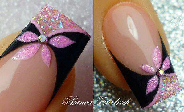 So pretty...  Black and pink glitter with flower, french tip maní