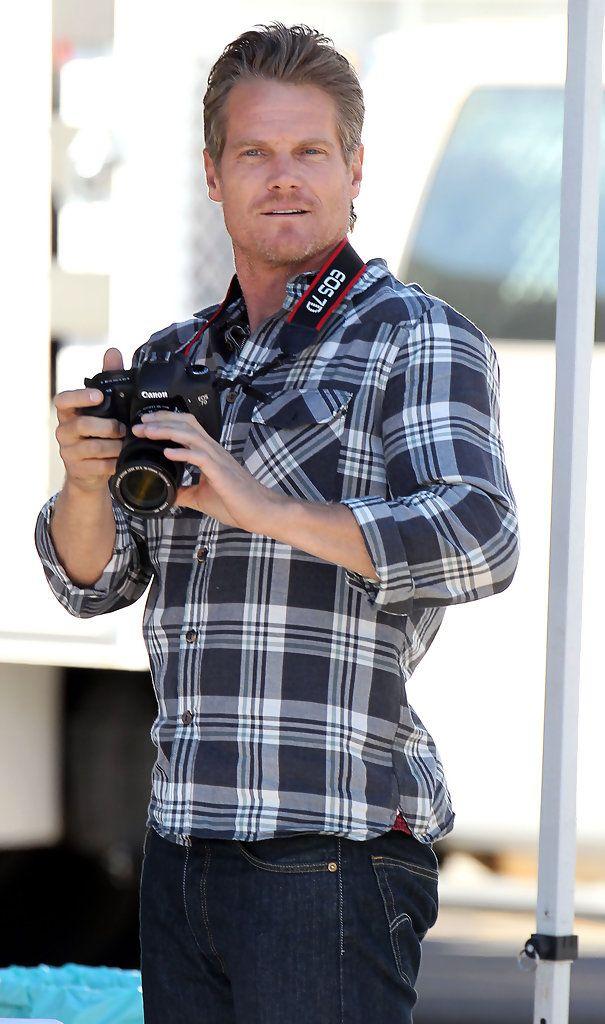 Brian Van Holt Photos: Brian Van Holt and Courteney Cox Film 'Cougar Town'