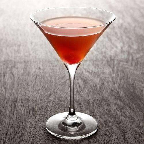5 Rum Drinks to Try at Least Once in Your Life: Rum is a great substitute for whiskey in a bunch of classic cocktails, so try it out in these 5 holiday-ready drinks like Hot Ponche or creamy Tom & Jerry.