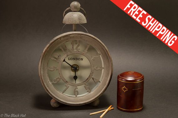 Vintage London Clock Vintage Clock Rustik by TheBlackHatDesign
