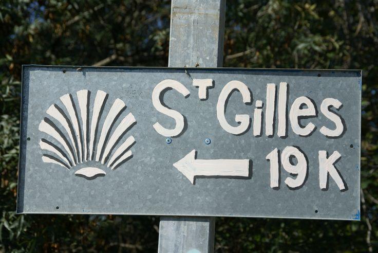 Une des routes françaises de Saint Jacques de Compostelle passent par Saint Gilles. Pour tous les passionnés de grandes randonnées