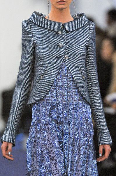 Chanel.: Chanel S12, Chanel Couture, Collars Neckline, Fashion Details, 2012 Couture, Chanel Details, Chanel Jackets, Beautiful Jackets, Chanel Spring