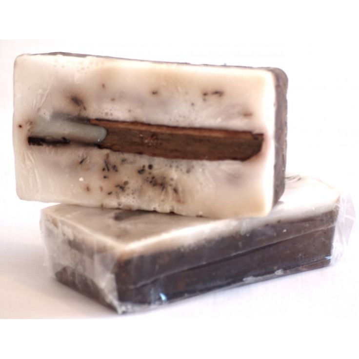 Heart at Home Rooibos Exfoliater Soap Bar. Rooibos is packed full of antioxidants which fight free radicals and harmful particles. Clean and exfoliate your skin with this wonder-soap!