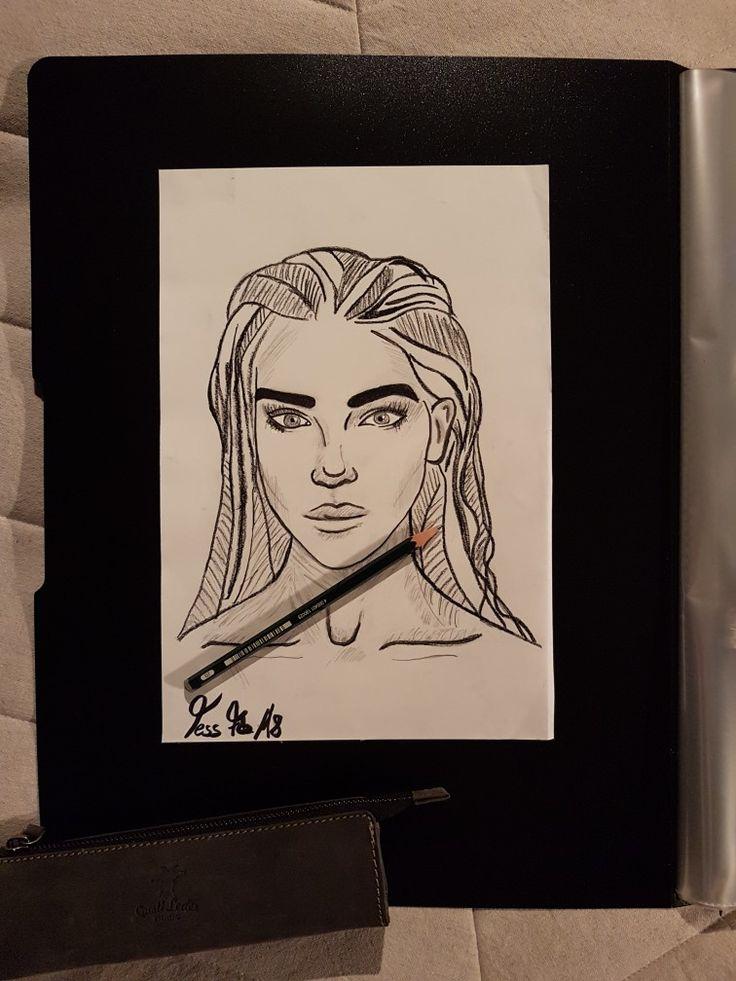 Frauenporträt /Portrait Frau / Bleistift- Zeichnung/Kohle-Zeichnung/Porträt/Skizze:  Schönheit in schwarz/weiß