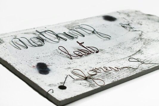 nothing lasts forev ( er )  | concrete, galvanized wire & acrylic paint | 50 X 100 X 4 cm | contact: artbending@gmail.com