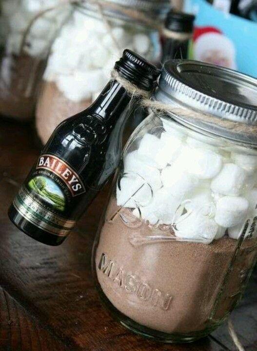 adult hot chocolate in a jar | hot chocolate + baileys + marshmallows