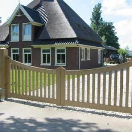 Elegante houten poort