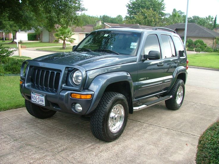 Same Jeep as mine (color, style and all) minus the brush guard and running boards...so cute <3