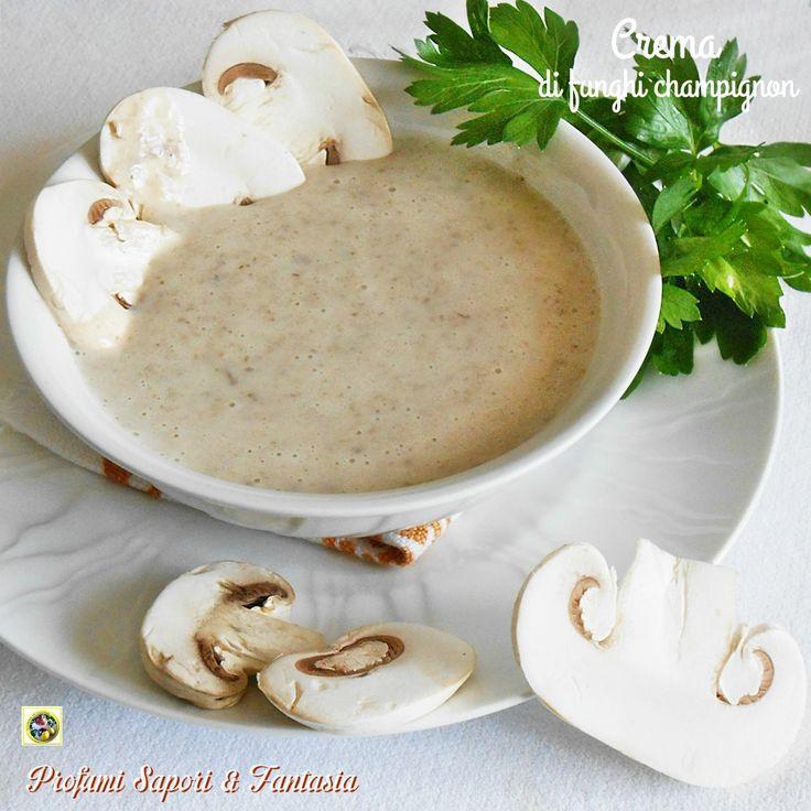 Crema di funghi champignon, una salsa morbida e profumata ideale per condire la pasta, sostituire la besciamella nelle lasagne e da spalmare su crostini.