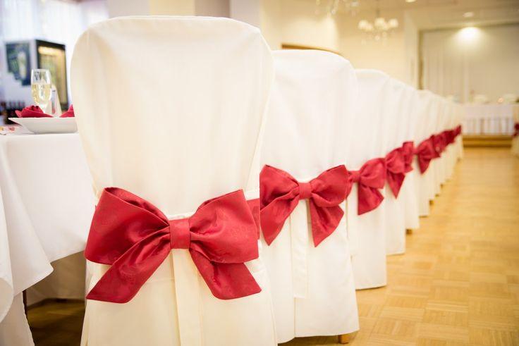 red wedding decoration /Mirabelky.com