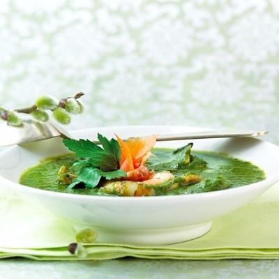 Spinat, scampi og røkelakssuppe