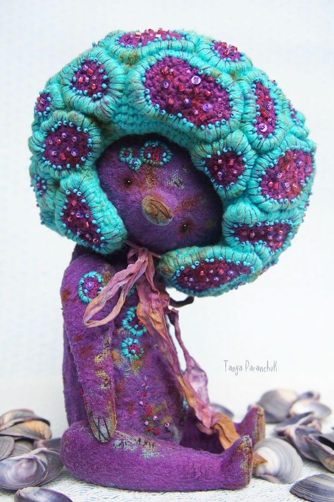 коралловый, вышивка бисером