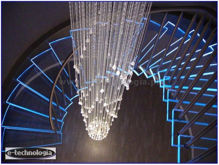 Żyrandol światłowodowy Korona w korytarzu