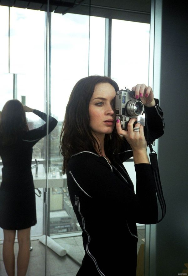 behind the camera: Girls Crushes, Emilyblunt, Vintage Camera, Amazing Pictures, Emily Blunt, Beautiful, Photo, Contax G2, Contaxg2