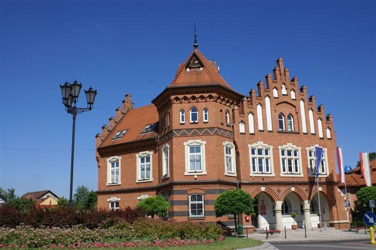 Ratusz w Niepołomicach budowla neogotycka wybudowana w 1903 według projektu architekta Jana Sas Zubrzyckiego jako siedziba władz miejskich.