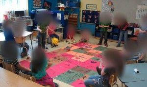 Un jeu de serpents et échelles géant version pirate. Lier avec le nombre de jour d'école où on est rendu!