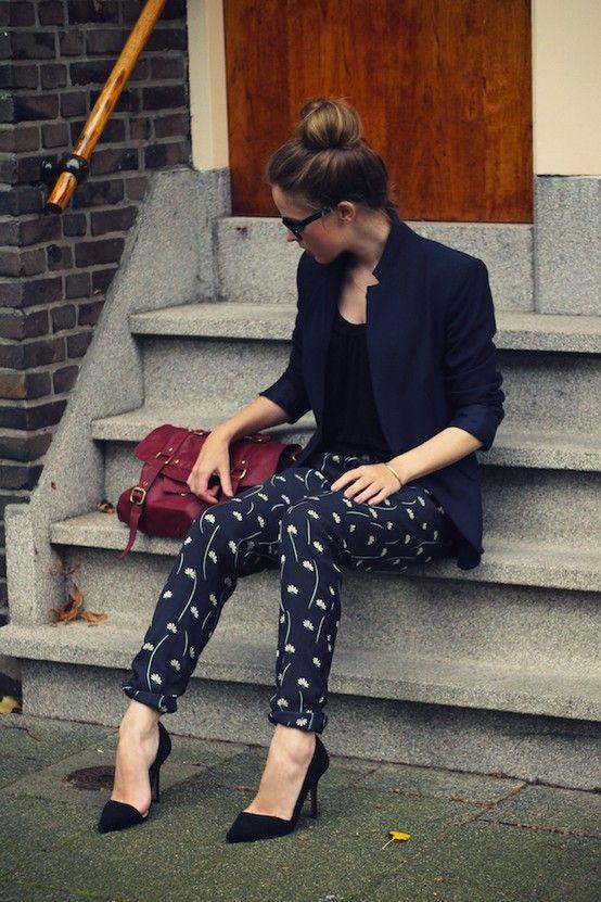 bun, blaze, crop, heel.: Outfits, Fashion, Printed Pants, Street Style, Patterned Pants, Blazers, Navy