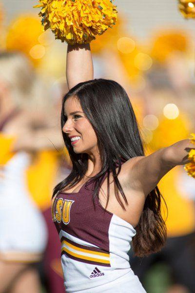 40 Amazing College Football Cheerleaders: Best of 2015 | AthlonSports.com
