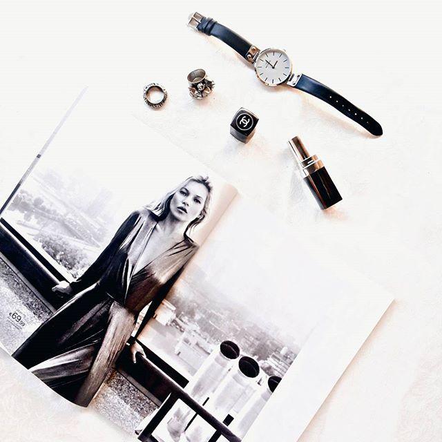 #flatlay #minimal #fashion #magazine #silver #jewelry #watch #black #white